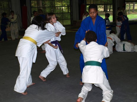 Gaztetxoak entrenatzen - New York YMCA Camp