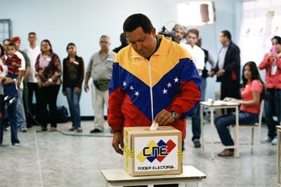 Chavez txandaletan atera da berriz