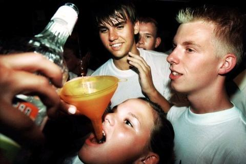 Nerabeak eta alkohola