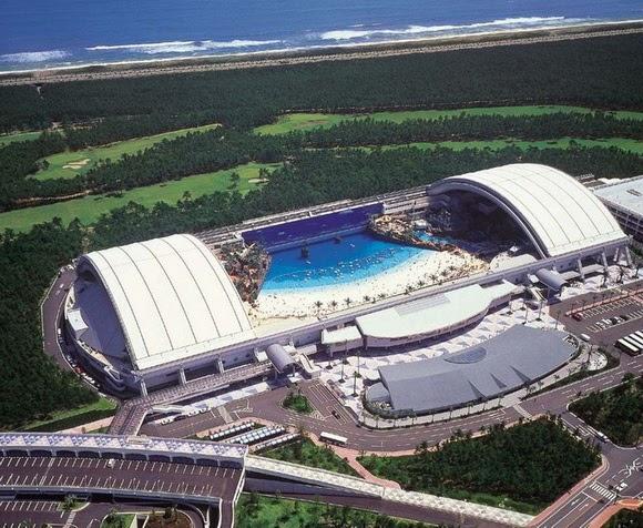Ocean Dome, Japan