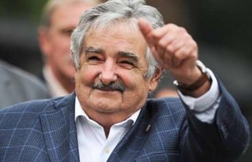 Jose Mujika Uruguaiko presidentearen 10 titular
