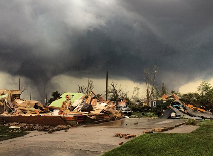 Nebraska suntsitu duten bi tornadoak (bideo eta argazkiak)