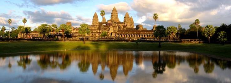 Angkor... tenplu, harri eta oihanaren zirrara (Kanbodia)