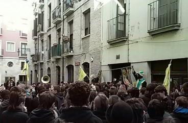 Iruñeko gaztetxea babesteko sinadura bilketa