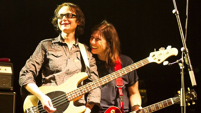 Josephine Wiggs & Kelley Deal (The Breeders)