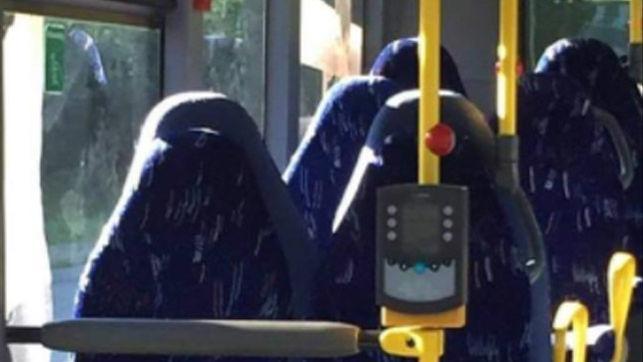 Burkaren azpian zer dago?