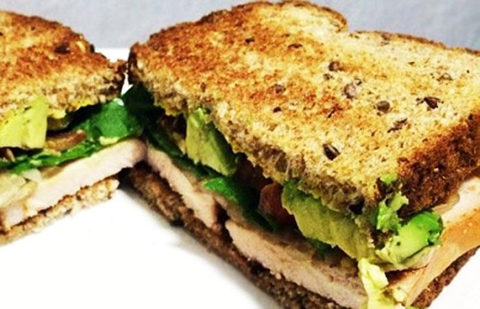 Ahuakate, indioilar eta fruitu lehor sandwich-a