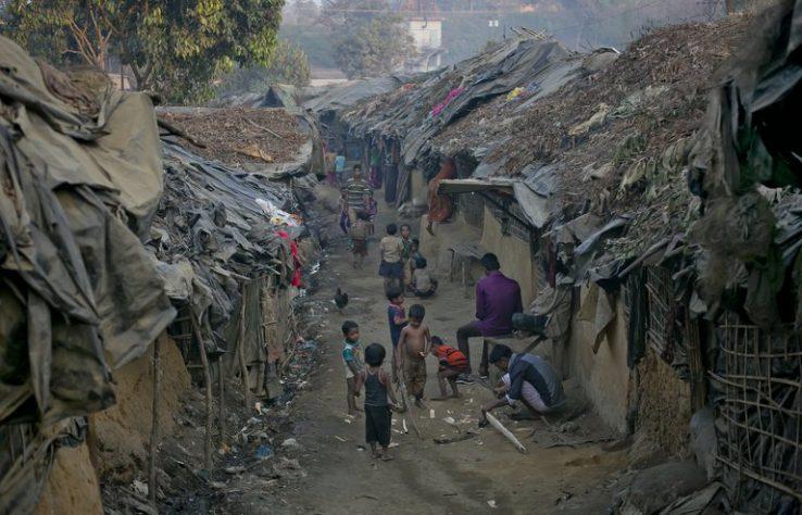Rohingyak, gorrototik ihes