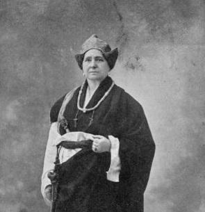 Marga Andurain, Baionako zelatari eta abenturazalea