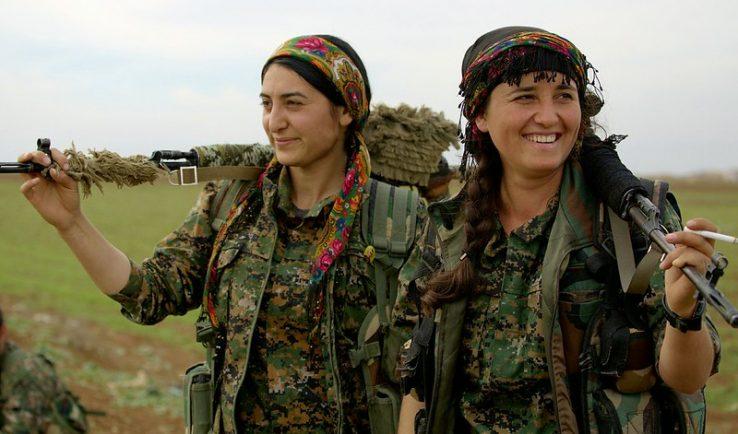 Gora Kurdistaneko YPJetan antolaturiko emakumeak!
