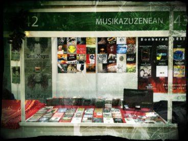 Musikazuzenean Durangoko Azokan, auto-ekoizpenez blai