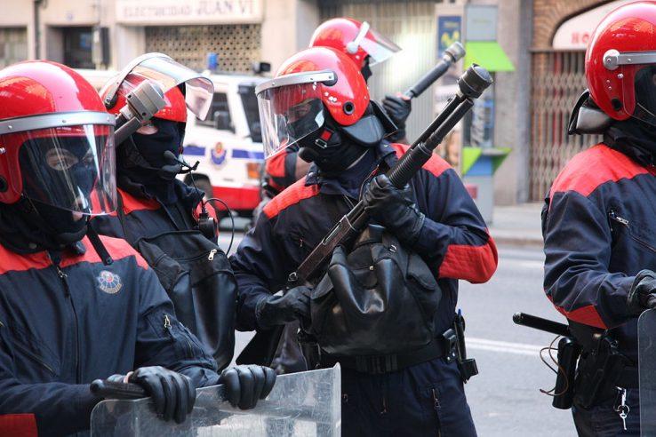 COVID-19a eta polizia-eredua
