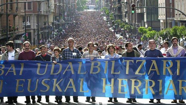 Udalbiltzari babesa erakusteko manifestazioa