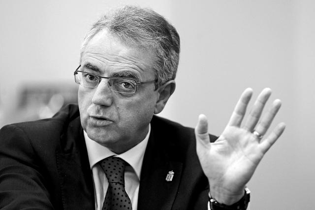 Miguel Sanzen agurrean