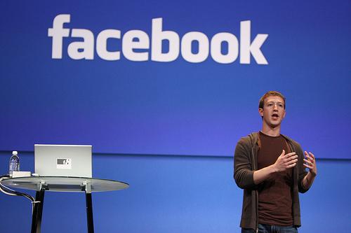 Lasaitasunez erabiltzen duzu Facebook?